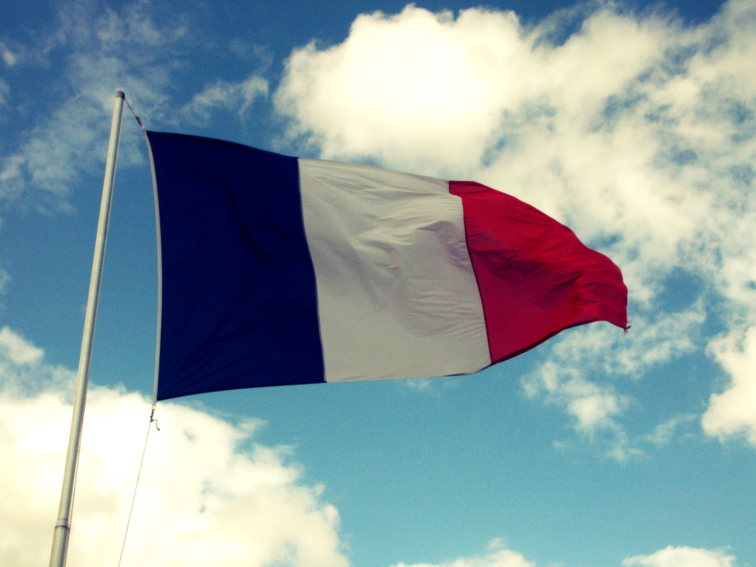 French Court Rules That Electronic Cigarettes Be Treated As Tobacco